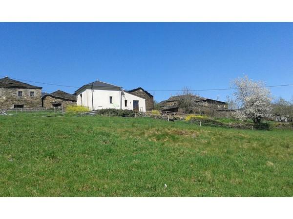 Casa De Aldea La Cantina De Villarmayor  - Cantabrian Mts. - Asturias