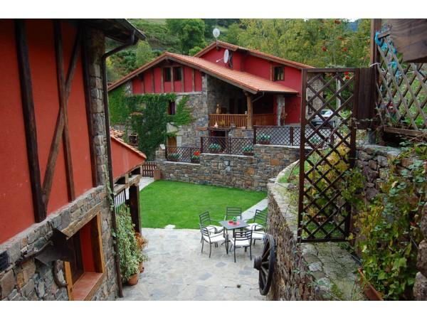 Apartamentos Rurales La Barcena  - Cantabrian Mts. - Cantabria
