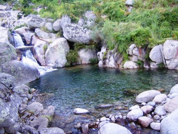 Complejo la mata caba a madrigal de la vera la vera for Madrigal de la vera piscinas naturales