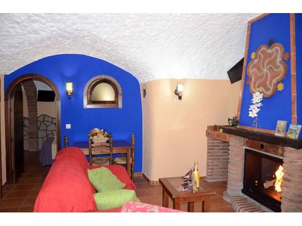 Cueva Francisco, Salón con chimenea