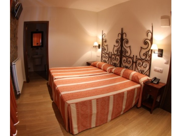 Hotel Casona Cuervo  - Cantabrische Mts. - Asturias