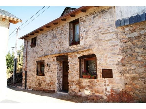 Casa salva casa rural paradela de muces el bierzo - Casa rural can salva ...