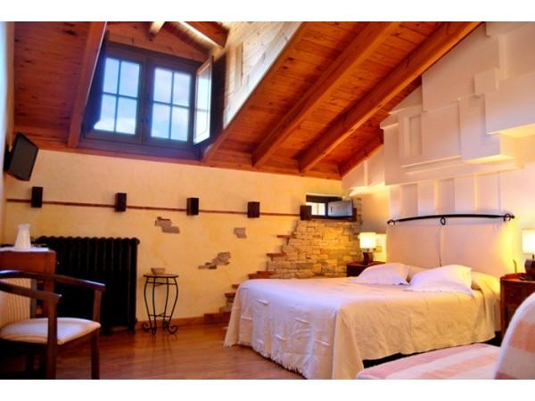 La lecheria centro de turismo rural val de san lorenzo for Casa moderna lecheria