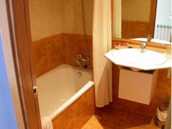 Hotel Las Cruces  - Cantabrische Mts. - Asturias