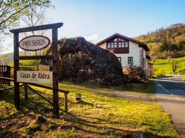 Casas De Aldea Pandesiertos I y II