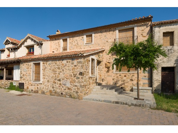 El Zaguán De Cabanillas  - Around Madrid - Segovia