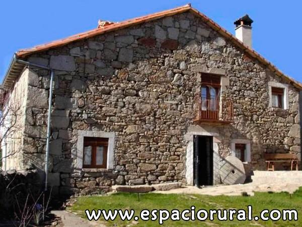Casa de piedra casa rural navarredonda de gredos gredos avila espacio rural - Casa rurales en madrid ...