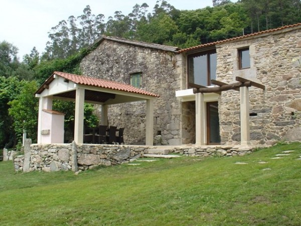 Lucas carleo casa rural outes xallas a coru a - Casas rural galicia ...