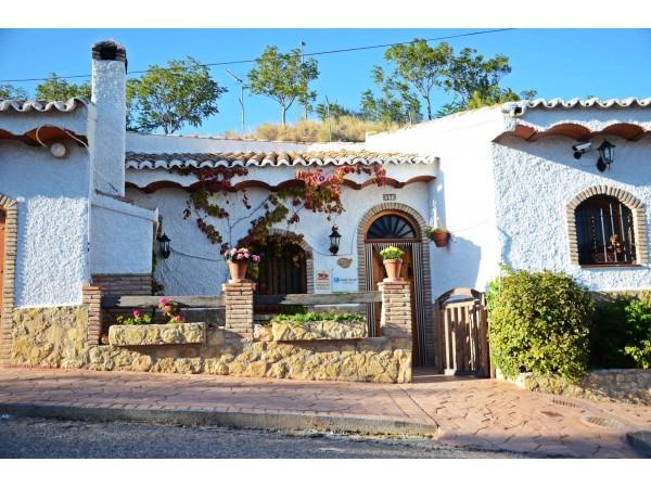 Cazorla casas cueva casa cueva hinojares sierra de segura y cazorla jaen espacio rural - Alquiler casa rural cazorla ...
