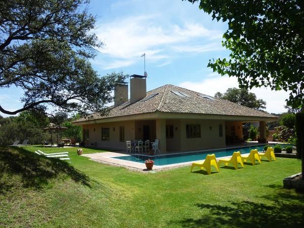 Casas rurales en madrid espacio rural for Alquiler de casas con piscina en sevilla
