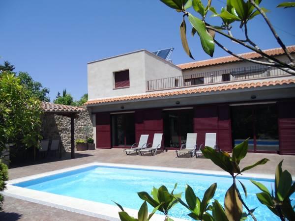 Ca la celia casa rural montgai la noguera lleida espacio rural - Casas rurales lleida piscina ...