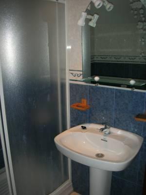 uno de los baños casa 14 plazas