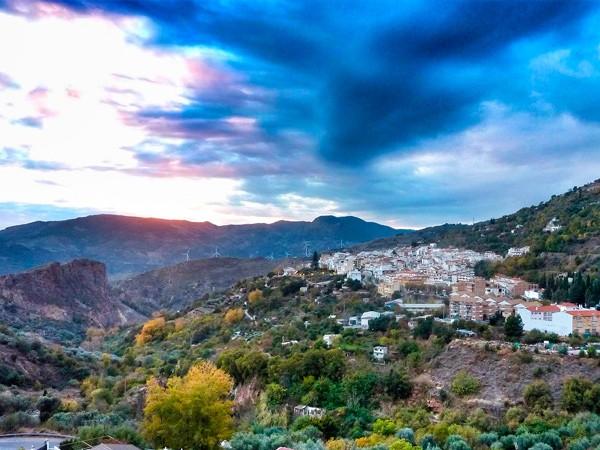 Lanjarón, el oasis que mira al Mediterráneo