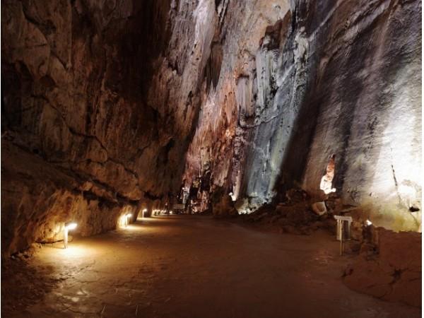 Cuevas de Valporquero del Torio