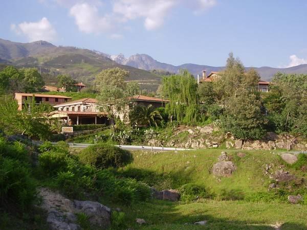Ropino Casa Rural - Hotel