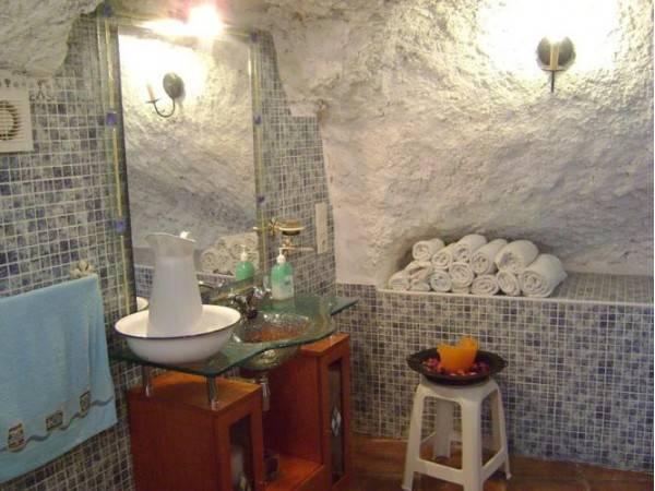 Cuevas Del Sur