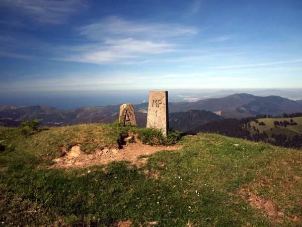 Por Los Montes De Artzentales